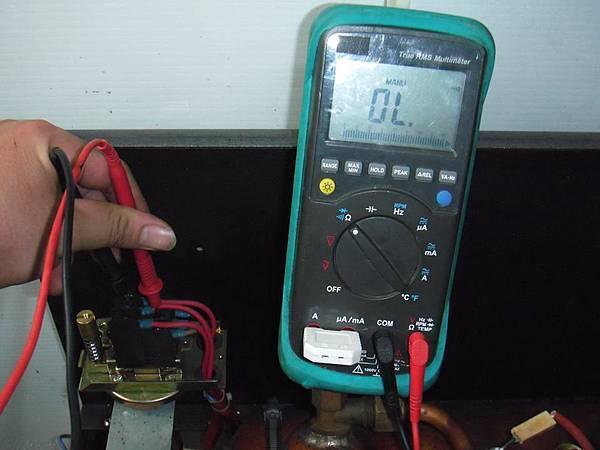 查線後發現壓力控制器故障 3個接點壞兩個