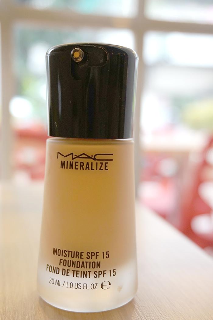 美麗的乘法MAC妝前乳+粉底液