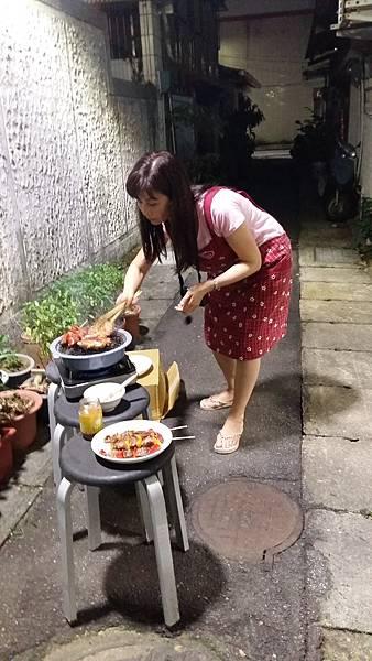 104年0906拍中秋烤肉照 (3).jpg