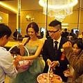 喜宴結束--新郎新娘送客