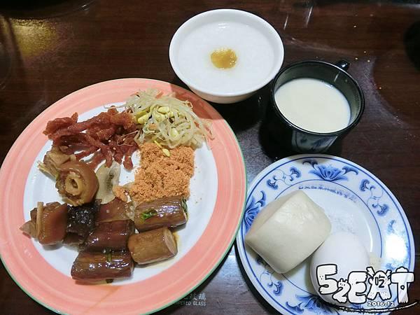 食記台北國軍英雄館軍友餐廳13.jpg
