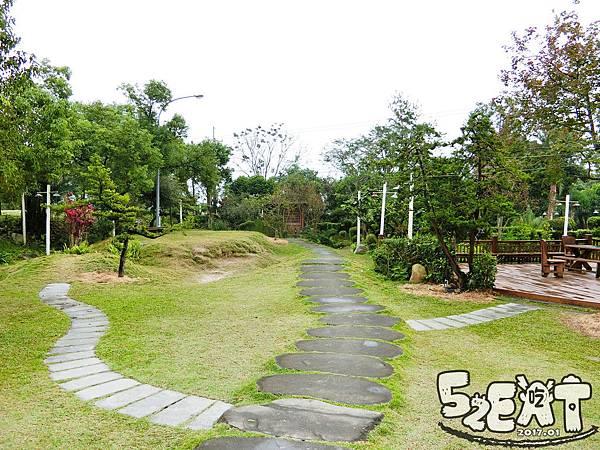 食記雨村生態農場7.jpg