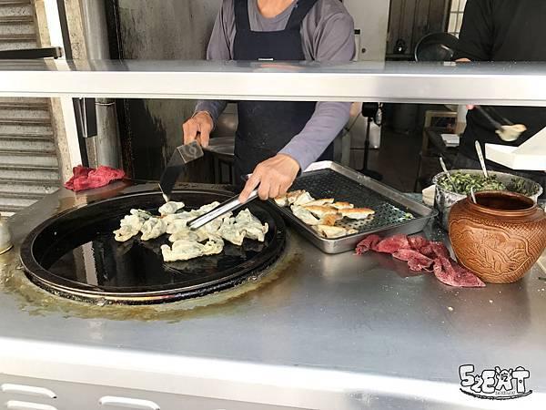 食記苑裡煎餃6.jpg