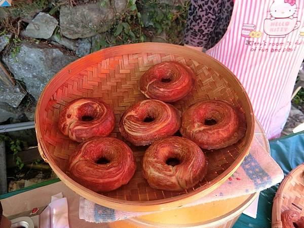 食記現烤甜甜圈 3.JPG
