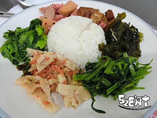 20160612食記世恩素食6.JPG