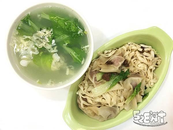 食記阿隆麵攤 (15).JPG