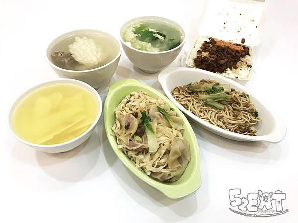 食記阿隆麵攤 (18).JPG