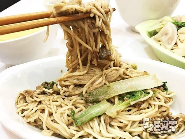 食記阿隆麵攤 (17).JPG