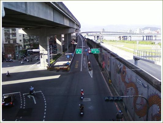 4陸橋上1.jpg