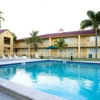LAL-FLL-La-Quinta-Hotel-Residence-Pool-Area-03-200x200.jpg