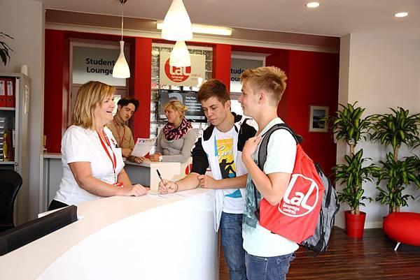 LAL-TOR-School-Reception-0I4X7059-1024x683.jpg