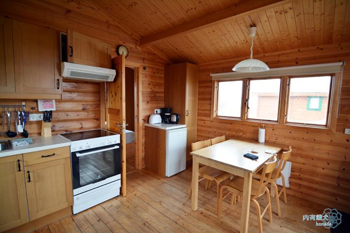 Mid Hvoll Cottages.米德沃爾小屋旅館