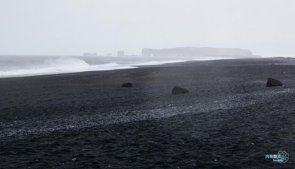 Reynisfjara Black Sand Beach.黑沙灘
