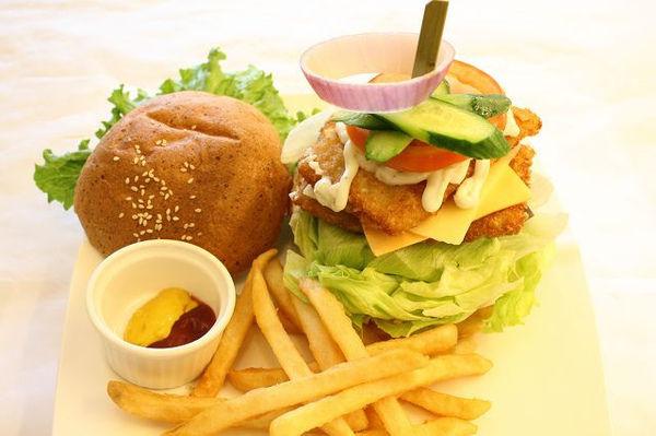 5黃金海岸魚排堡.jpg