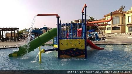 死海飯店游泳池.jpg