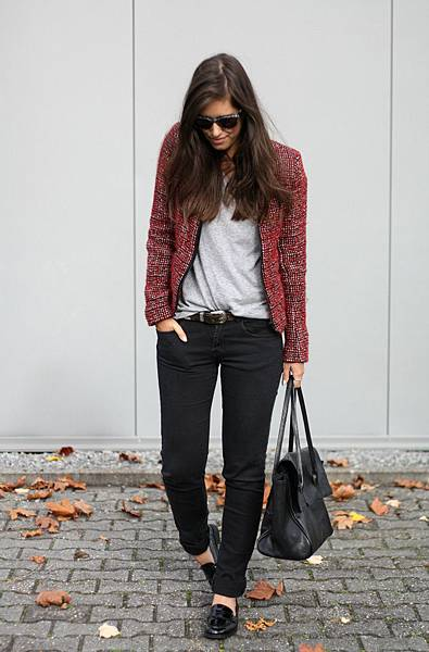 Outfit IKKS red boucle jacket+Vagabond black patent loafers+streetstyle casual chic
