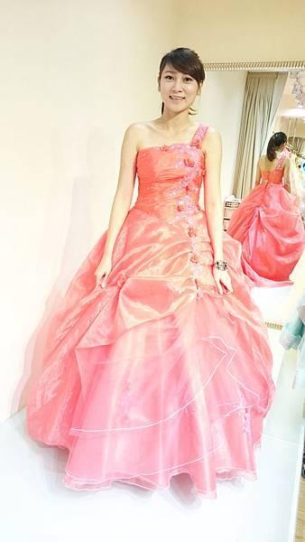 高雄婚紗工作室-推薦手工禮服