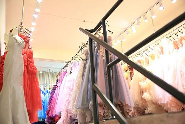 高雄伊頓自助婚紗工作室