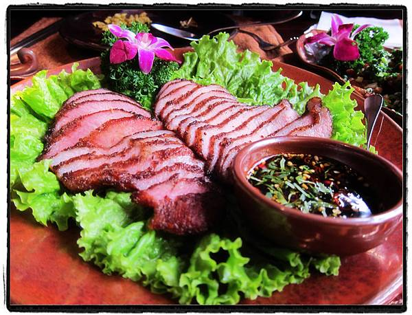 22卡拉山火塘燒肉