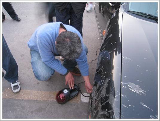 我的車車輪胎沒氣,大家幫忙