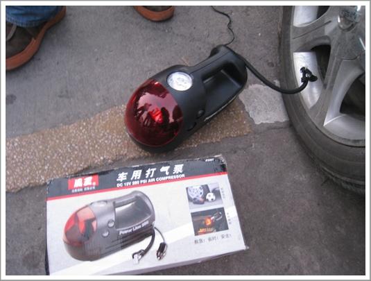 還好有QQQ大姐家的風王車用打氣泵,超讚
