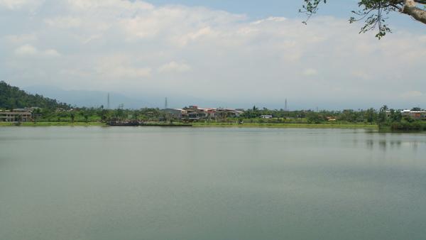 美美的梅花湖.JPG
