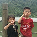 凱&榆@梅花湖.JPG