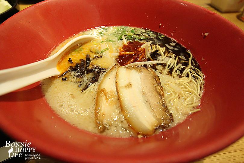 食記|高雄左營。超好吃的日式拉麵。博多一風堂(漢神巨蛋店)