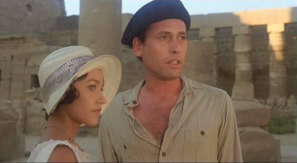 Olivia-Hussey-Jon-Finch-Death-on-the-Nile-1978