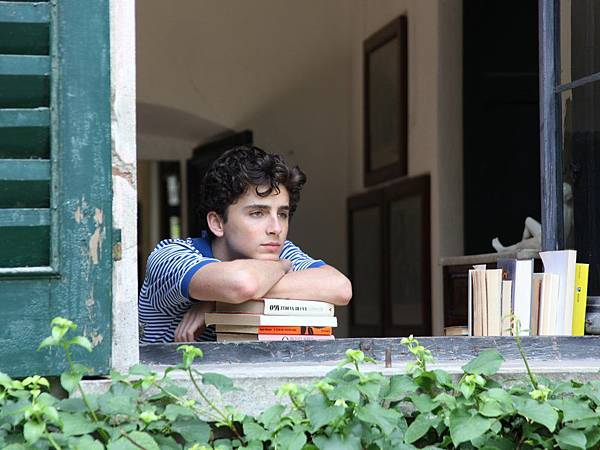 call-me-by-your-name-2017-002-young-man