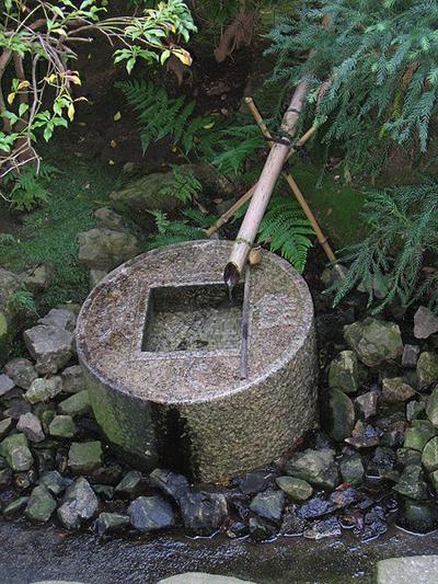 龍安寺の手水鉢.jpg