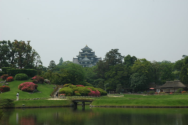 後楽園から岡山城を望む.JPG