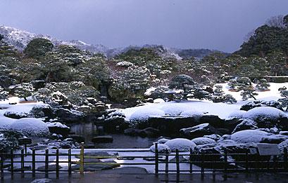 冬の白砂青松庭.jpg