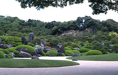 春の亀鶴の滝.jpg