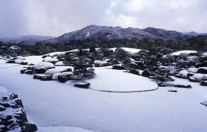 冬の枯山水庭.jpg