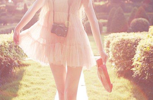 camera-dress-fashion-girl-nature-Favim_com-447623