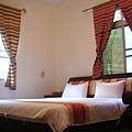 石壁彩虹 - 每間房間的顏色風格都不同