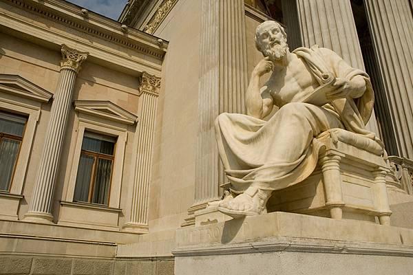 statue-756624_1920