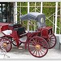 國民賓館門口的車