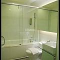 乾溼分離浴室