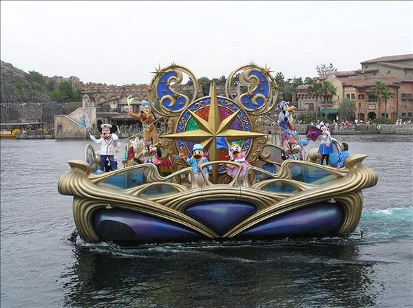 怎麼連船都這麼漂亮阿...