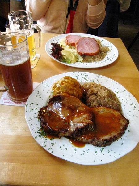 Vetter's Märzen(季節性啤酒)+Kassler (smoked pork chops)