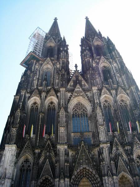 百聞不如一見的科隆大教堂