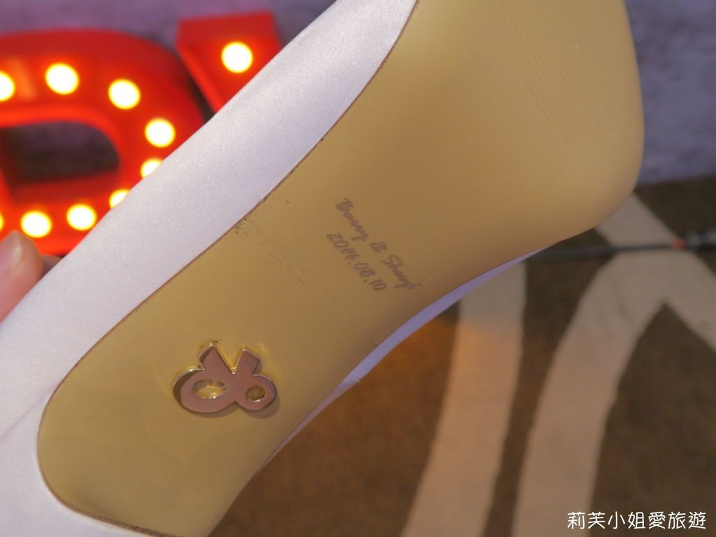 紅絲絨手工設計婚鞋