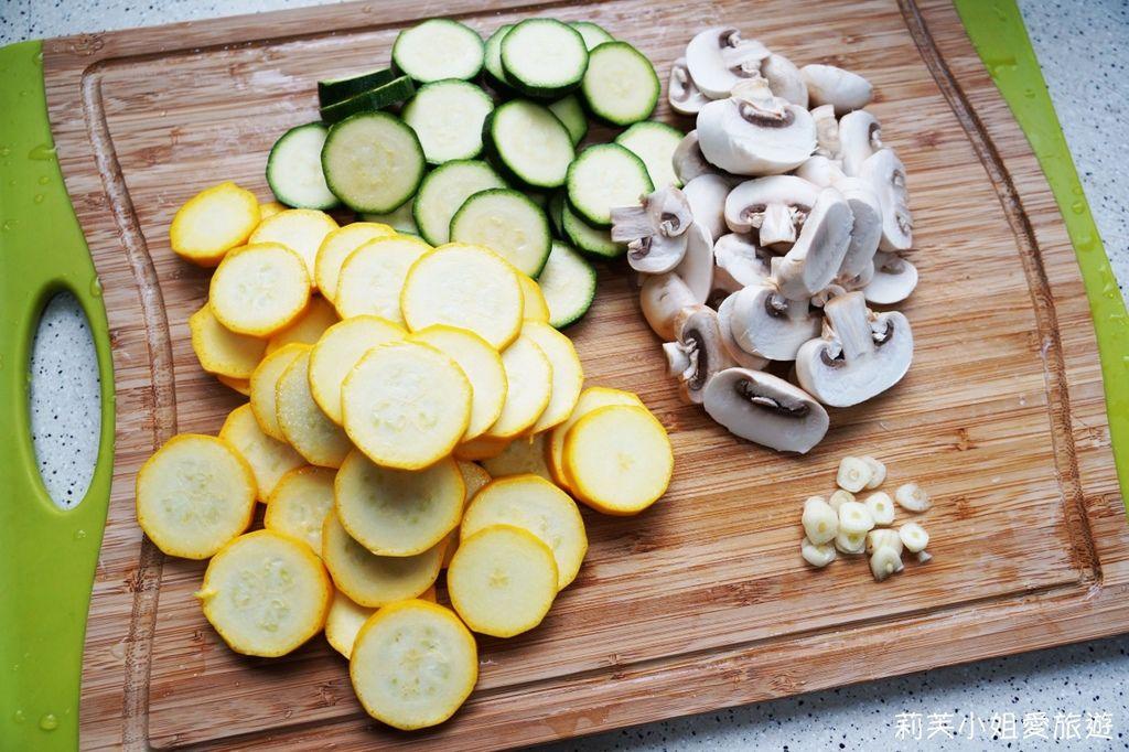 蒜炒蘑菇櫛瓜