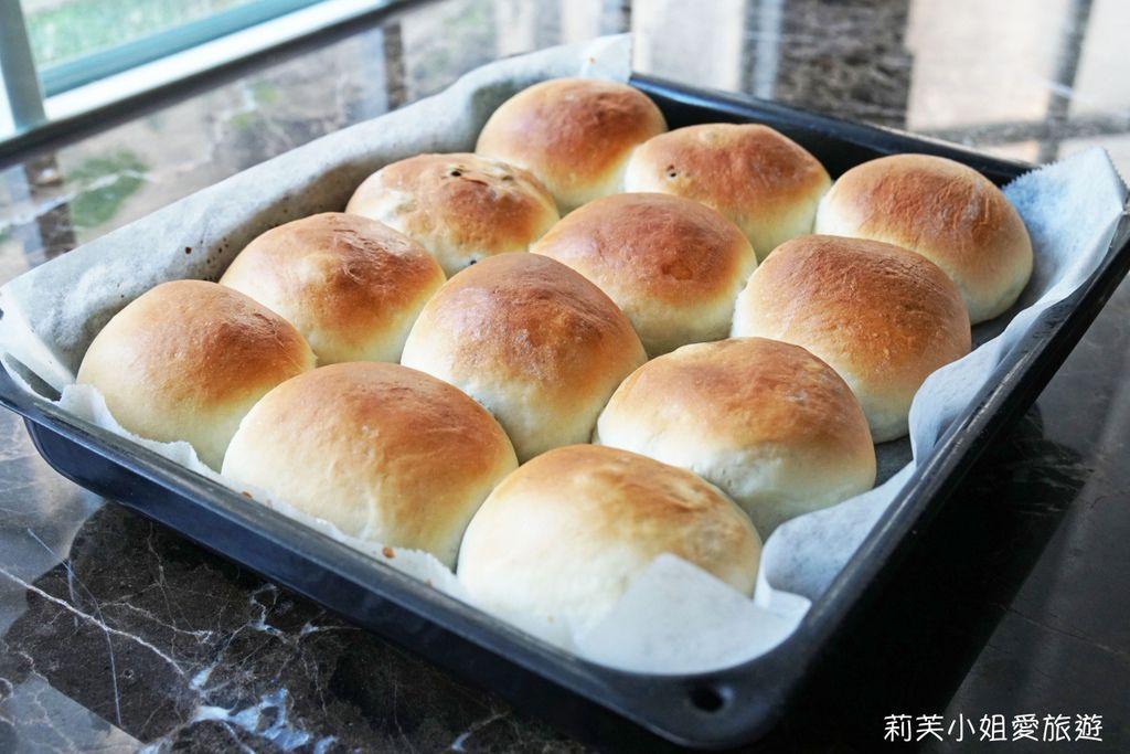 牛奶葡萄乾麵包