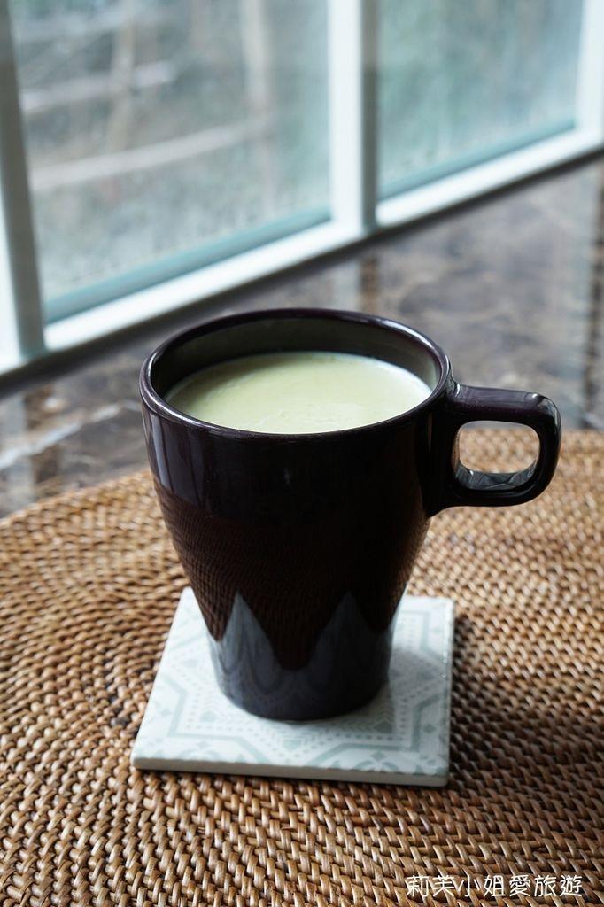 桔揚T世家抹茶粉製作熱抹茶牛奶