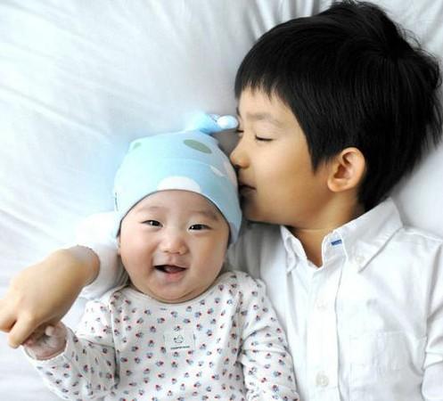 韓國超萌童星 : 感覺長大後會是貼心好男人的金泰斌