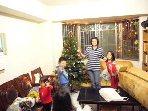 布置聖誕樹.jpg