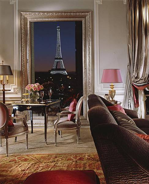 Eiffel Suite 361-Night View-LR (c) Guillaume de Laubier